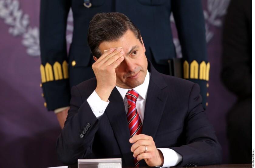 El Presidente Enrique Peña Nieto afirmó que cierra el 2017 contento, pues, consideró, mantuvo el barco a flote.