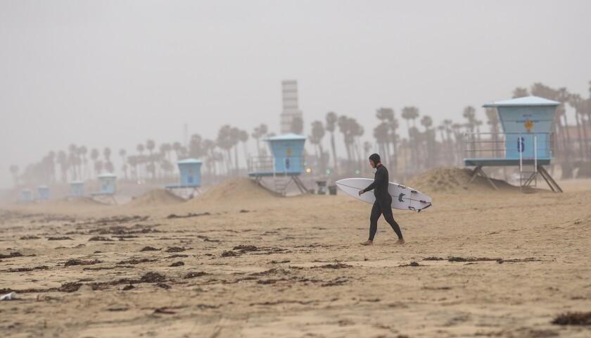 522553 tn-dpt-me-surfers-beaches-20200409-2.jpg
