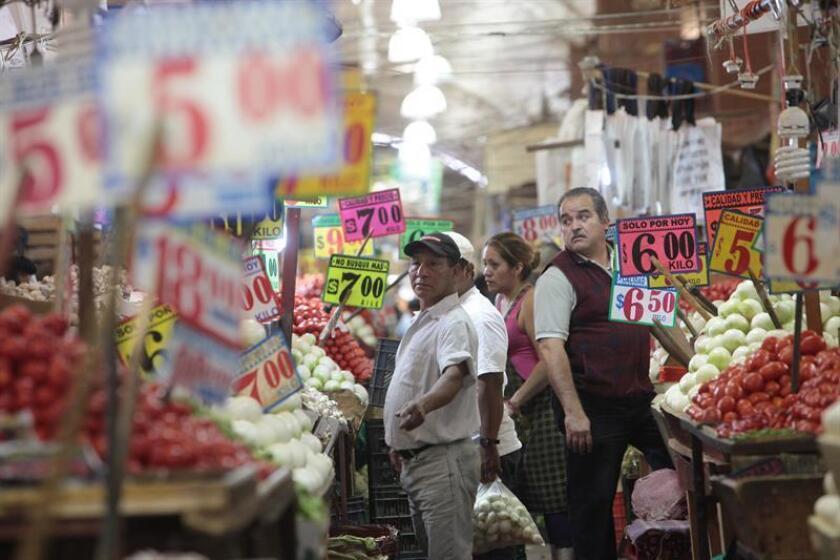 El índice de precios al consumidor (IPC) en México subió un 0,38 % en febrero frente al mes anterior, por lo que la inflación acumulada en los últimos 12 meses quedó en 5,34 %, informó hoy el Instituto Nacional de Estadísticas y Geografía (Inegi). EFE/Archivo
