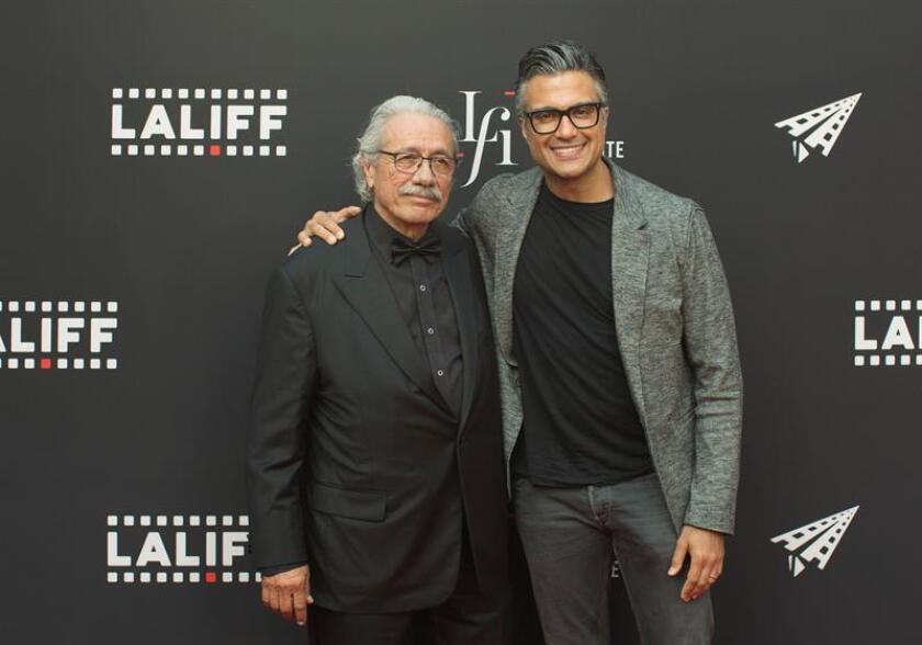Los actores Jaime Camil y Edward James Olmos llegan a la alfombra roja hoy, miércoles 20 de junio de 2018, durante Los Ángeles Latino International Film Festival (LALIFF), en el Teatro Chino IMAX, en Hollywood (EE.UU.). EFE