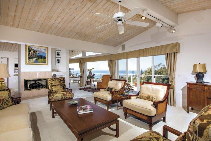 5756-La-Jolla-Mesa-Living-Room