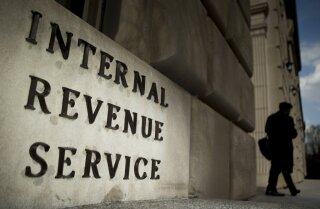 IRS gave bonuses to tax-delinquent employees