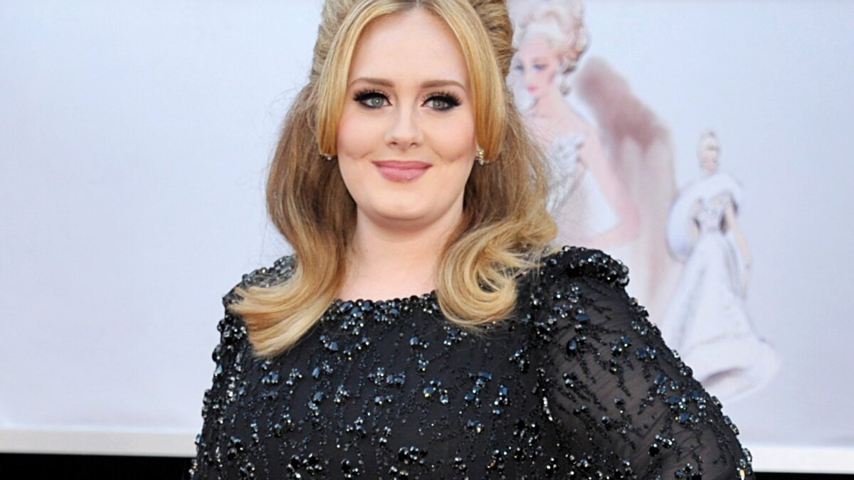 Adele S Hair And Bikini Spark Cultural Appropriation Debate Los Angeles Times