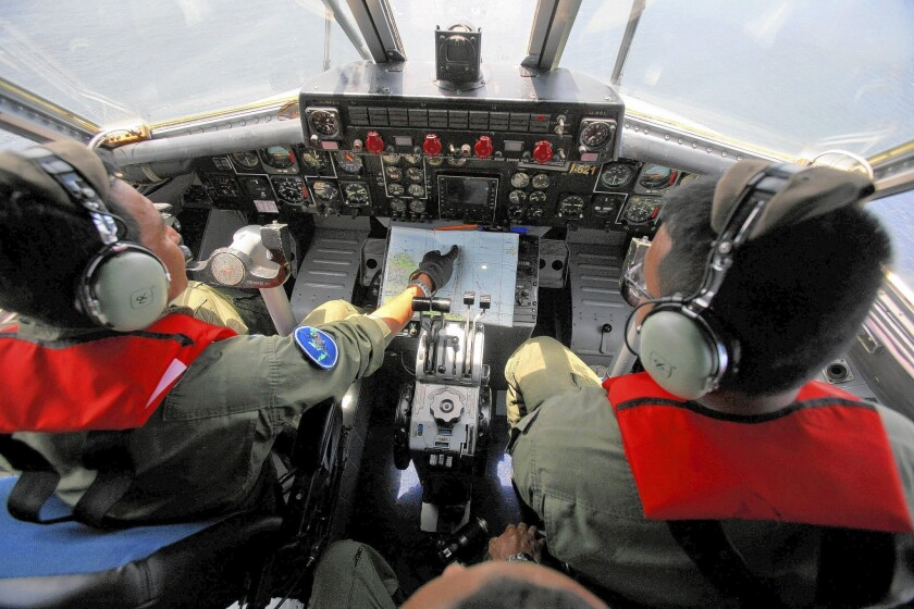 Malaysia Airlines Flight 370: Missing plane defies search