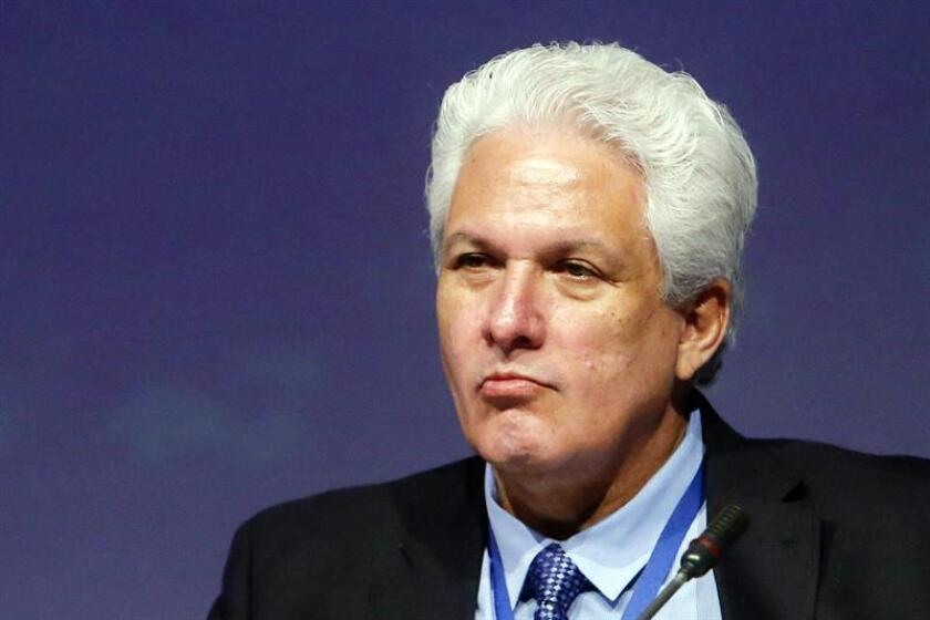 """La Sociedad Interamericana de Prensa (SIP) expresó hoy su preocupación por un proyecto de ley que discute el Congreso de Guatemala sobre actos terroristas y que """"podría restringir las libertades de prensa y expresión"""". En la imagen el presidente de la SIP, Gustavo Mohme. EFE/ARCHIVO"""