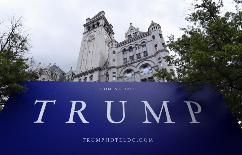 El nuevo hotel Trump en Washington. El director de campaña de Donald Trump dijo que el precandidato republicano no planea atenuar su discurso sobre los inmigrantes que llegan de manera ilegal a Estados Unidos a pesar de que se lo han pedido algunos republicanos.