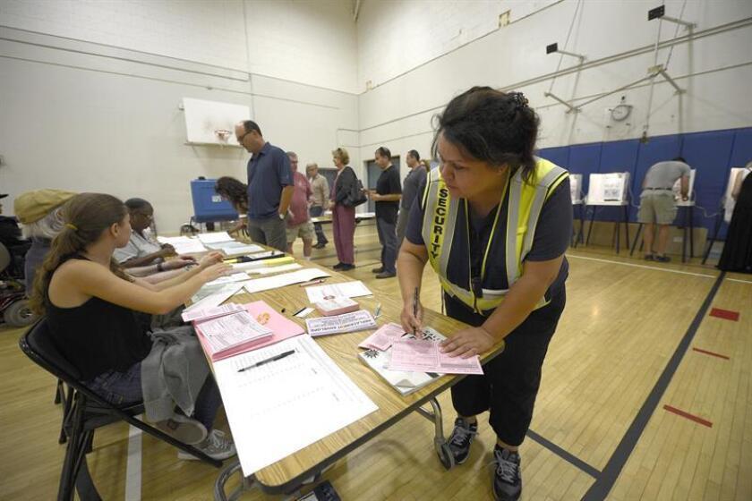 Una recién electa legisladora estatal por un distrito de Arizona, Raquel Terán, recibió una demanda de comprobación de ciudadanía, por lo que deberá comparecer ante la corte, según trascendió hoy. EFE/ARCHIVO