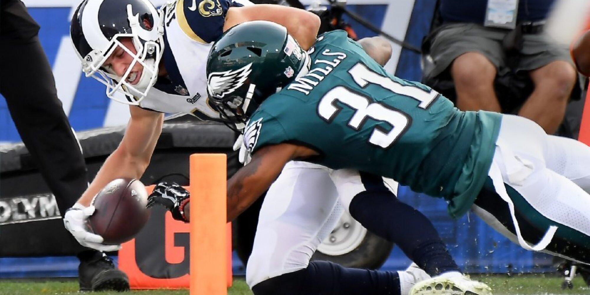 5364f08e NFL Week 14 live: Rams fall to Eagles 43-35; Chargers beat Redskins ...