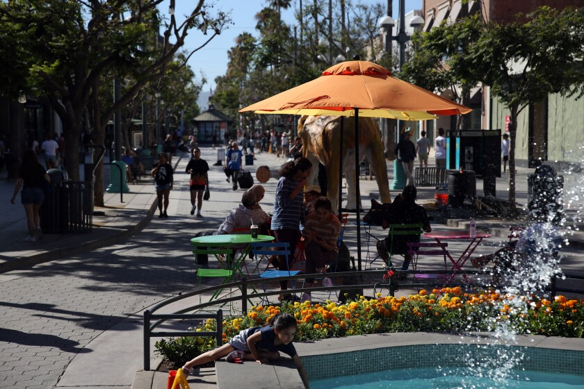 3rd Street Promenade Hours >> Four Hours Exploring The Newly Relocated Kids Museum Now In Santa