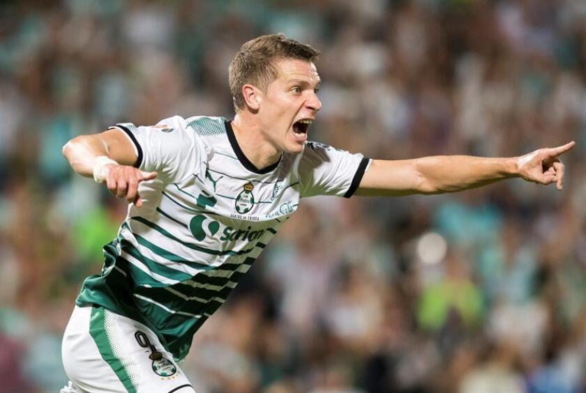 Argentino Furch le da triunfo a Santos sobre Monterrey y lo sube al liderato