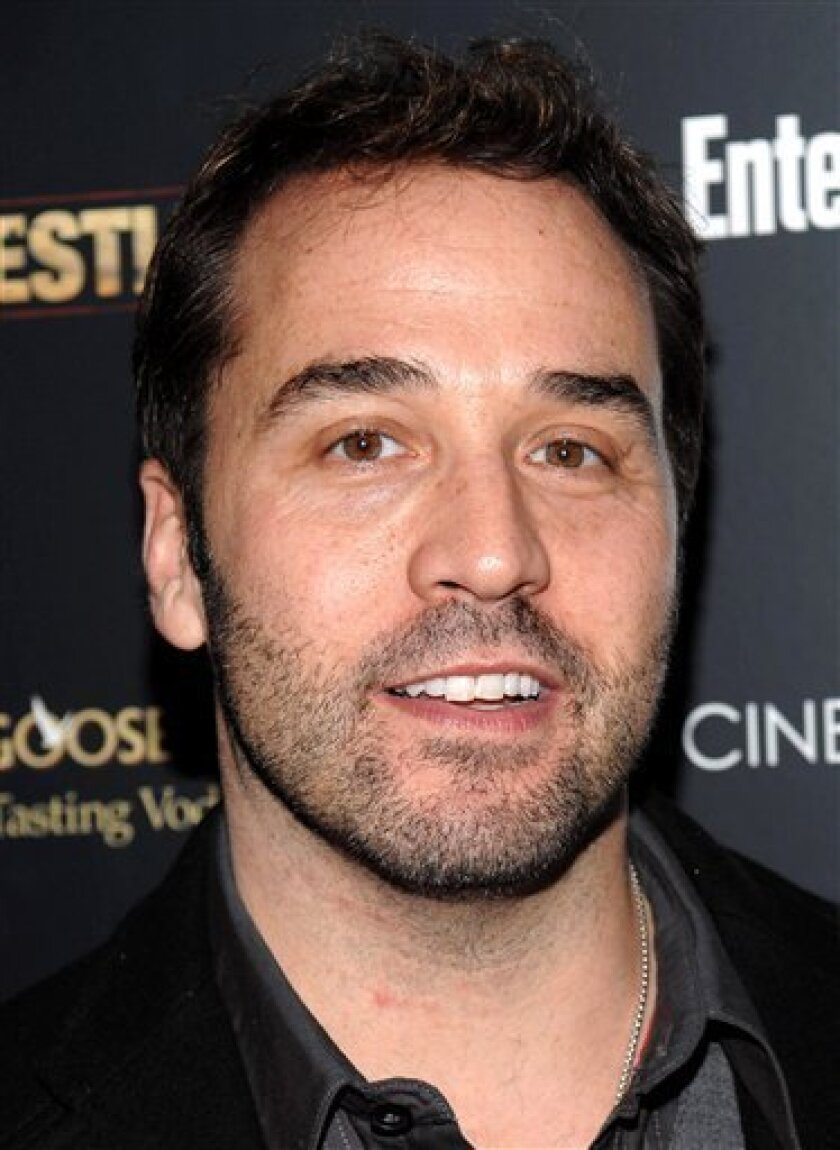 """In this Dec. 8, 2008 file photo, actor Jeremy Piven attends a screening of """"The Wrestler"""" in New York. (AP Photo/Evan Agostini)"""