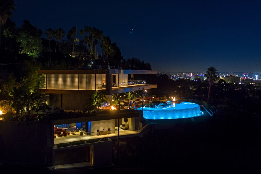 Hollywood Hills West showplace | Hot Property