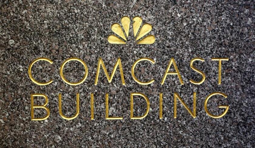 Comcast elevó hoy su oferta por Sky a 26.000 millones de libras (unos 34.300 millones de dólares) horas después de que 21st Century Fox ofreciese 24.500 millones de libras (unos 32.300 millones de dólares) por el grupo británico. EFE/ARCHIVO