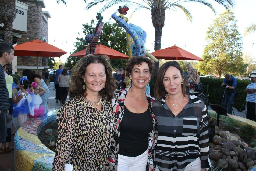 Cheryl Rattner Price of the Butterfly Project with artists Helen Segal and Barbi Dorfan. Photo by Karen Billing