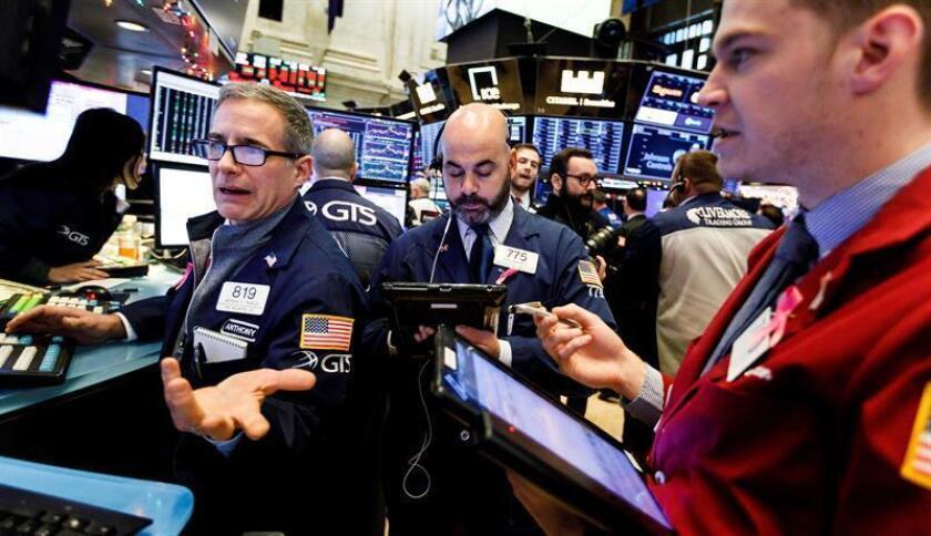 Wall Street remonta al cierre y el Dow Jones sube un 1,14 %