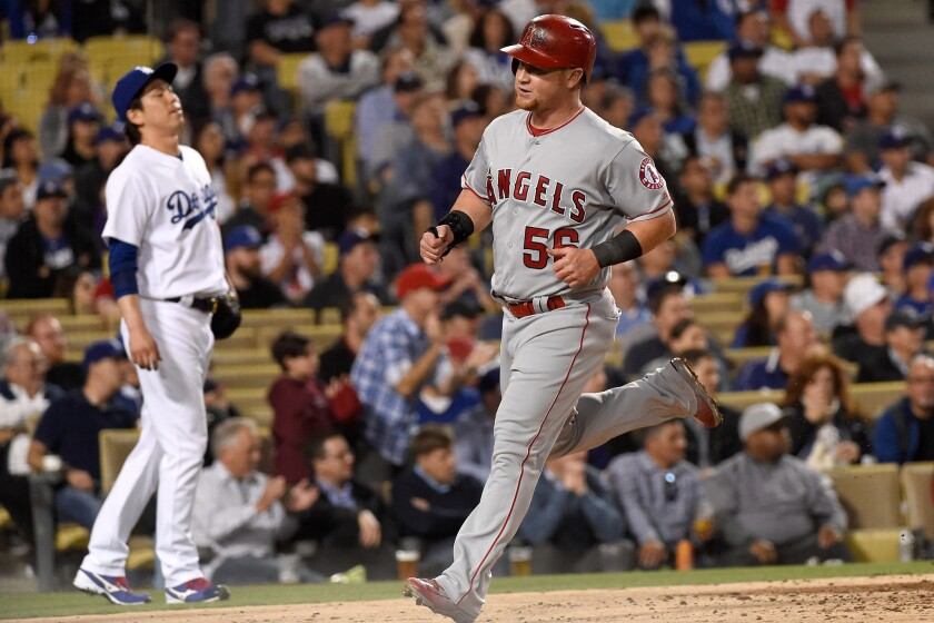 Angels put up two big innings, beat Dodgers, 7-6