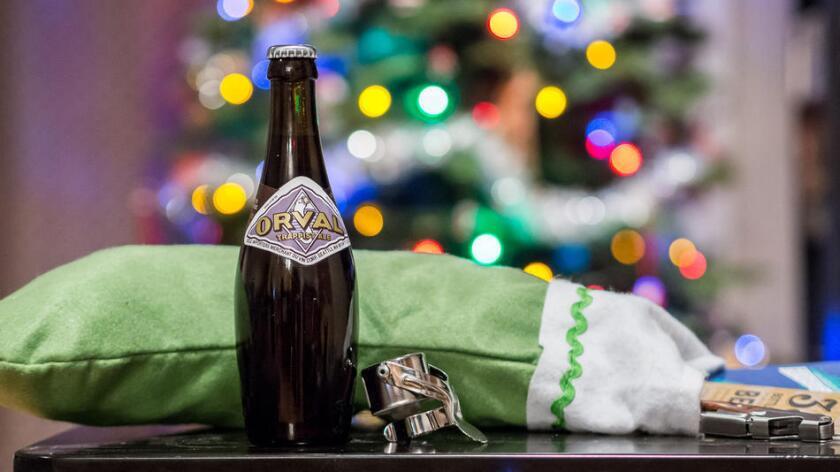 Opciones para los entusiastas de la cerveza en su lista de obsequios navideños (John Verive).