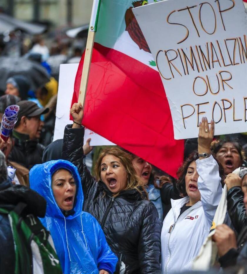 Organizaciones defensoras de los derechos de los inmigrantes denuncian que los activistas que no cuentan con la ciudadanía estadounidense son el un nuevo objetivo de las autoridades federales para crear miedo entre los indocumentados y golpear este movimiento de protesta. EFE/ARCHIVO