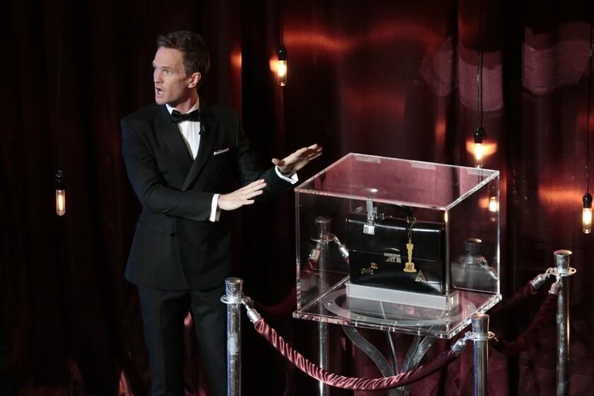 Neil Patrick Harris performing his Oscars magic trick.