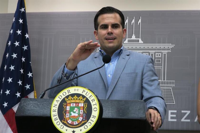 El gobernador de Puerto Rico, Ricardo Roselló, habla durante una conferenia de prensa. EFE/Archivo