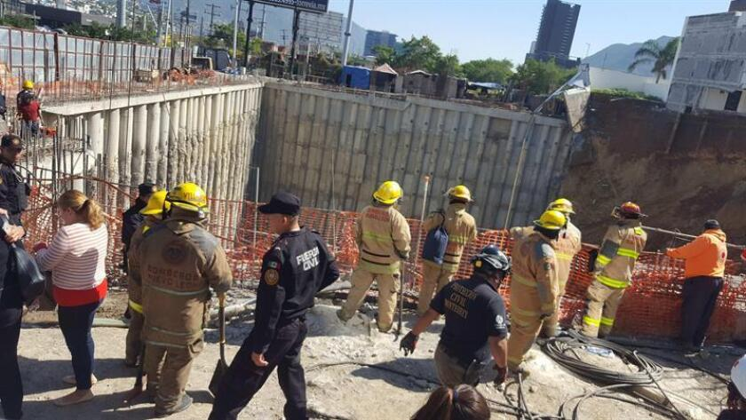 Derrumbe de tres casas deja por lo menos un muerto en el norte de México
