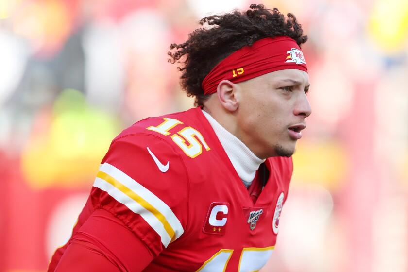Super Bowl betting lines slightly favoring Kansas City