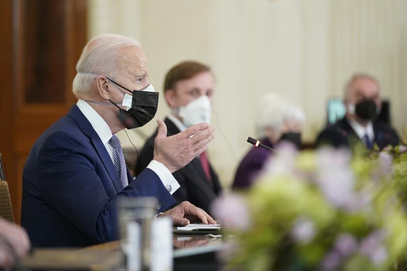 Casa Blanca: Biden elevará el tope de refugiados
