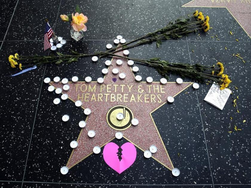 """Los herederos de Tom Petty anunciaron hoy que el próximo 28 de septiembre se editará """"An American Treasure"""", una caja especial con música inédita del famoso roquero fallecido en 2017 a los 66 años. EFE/ARCHIVO"""