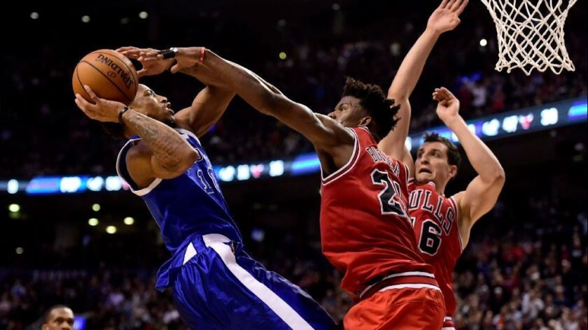 NBA: Toronto Raptors fight past Chicago Bulls to end skid