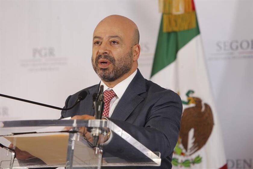 El comisionado Nacional de Seguridad, Renato Sales Heredia, participa en una conferencia de prensa. EFE/Archivo