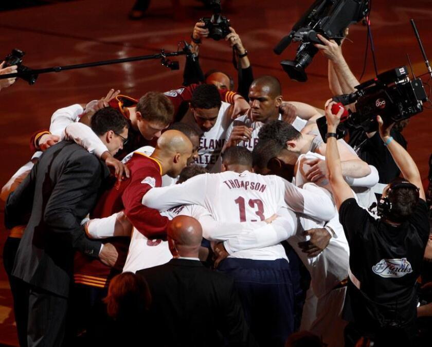 Los jugadores de Cavaliers se animan. EFE/Archivo