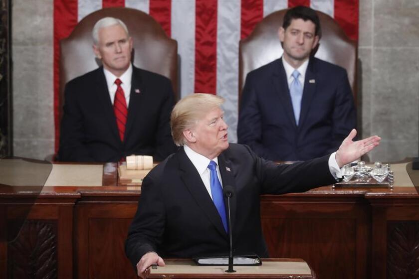 """El presidente, Donald Trump, abogó hoy por """"modernizar y reconstruir"""" el arsenal nuclear estadounidense, durante su primer discurso sobre el Estado de la Unión ante el Congreso. EFE"""