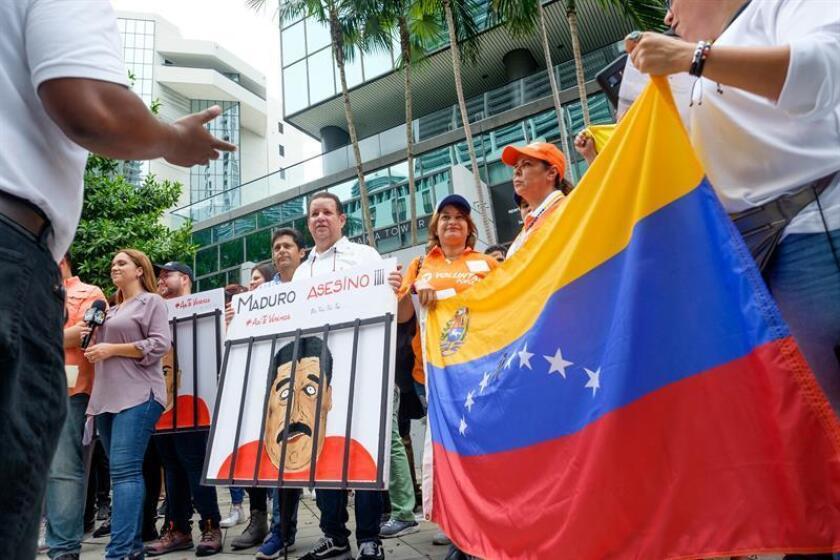El Consulado General de Venezuela en Miami reabrió hoy sus puertas tras permanecer cerrado desde enero de 2012, cuando dejó de operar por orden del entonces presidente del país latinoamericano, Hugo Chávez. EFE/ARCHIVO