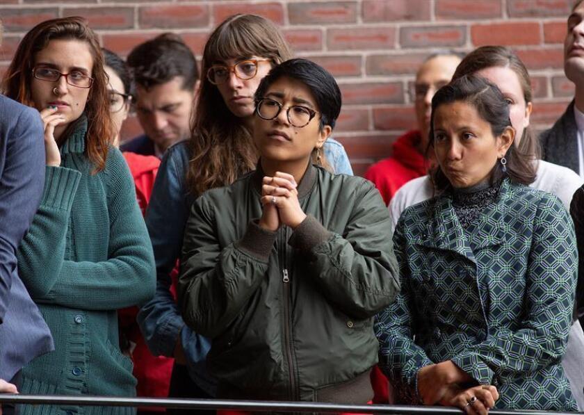 Vista de varias mujeres que escuchan un discurso. EFE/Archivo