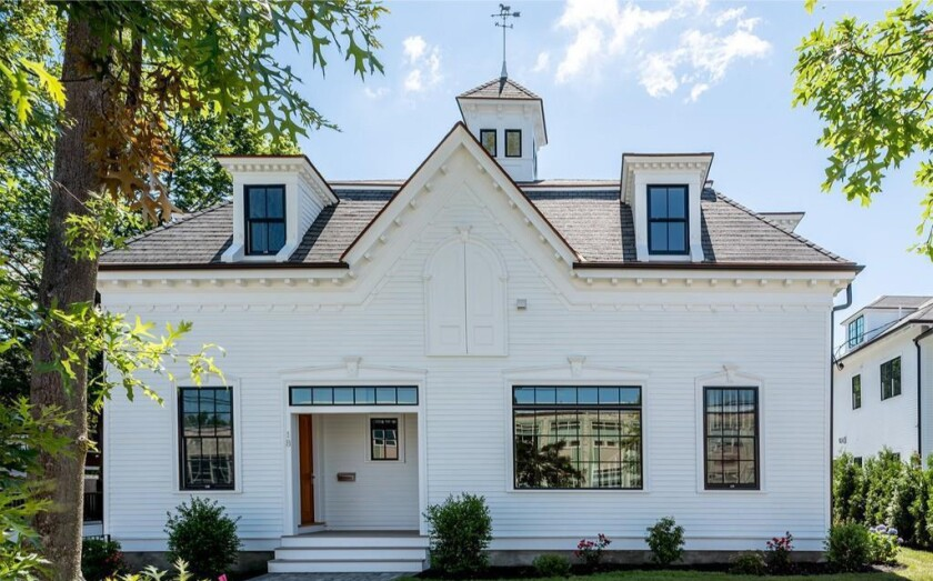 Aron Baynes' condo outside Boston | Hot Property