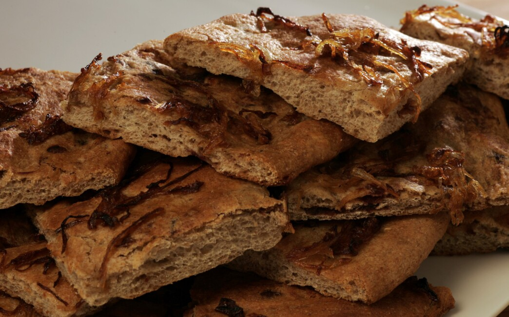 Whole wheat flatbreads with caramelized onions and dates