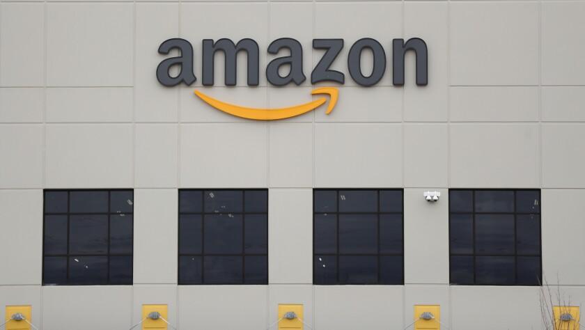 El centro de realización DTW1 de Amazon en Riomukus, Michigan, EE.UU.