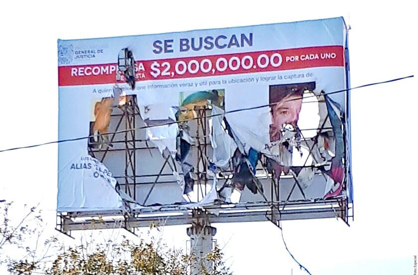 Los panorámicos que el Gobierno de Tamaulipas colocó para ofrecer dos millones de pesos por tres cabecillas del crimen organizado que operan en Reynosa fueron destrozados por desconocidos.