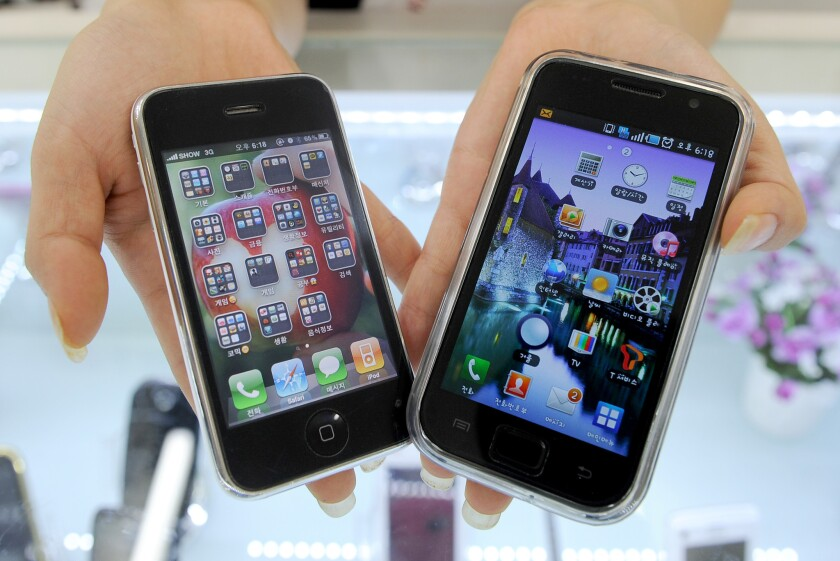 House committee approves bill to legalize cellphone unlocking
