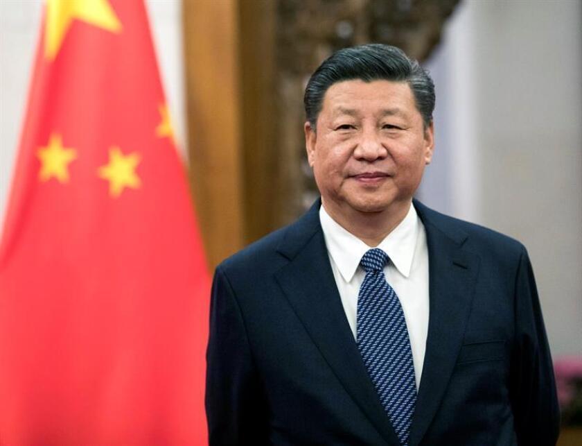 """El presidente, Donald Trump, y su homólogo chino, Xi Jinping, se comprometieron hoy en una llamada a mantener la presión y las sanciones hasta que Corea del Norte tome medidas tangibles hacia una desnuclearización """"completa, verificable e irreversible"""". EFE/EPA/ARCHIVO/POOL"""