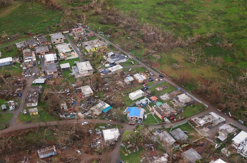 La Administración Federal de Aviación (FAA) aprobó hoy el uso de un dron para ayudar a restaurar el servicio de telefonía móvil en Puerto Rico, tras los graves daños causados el pasado septiembre por el huracán María en la isla. EFE/ARCHIVO