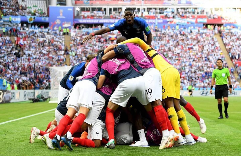 El festejo galo tras consumarse el triunfo sobre los argentinos en la Arena Kazan.