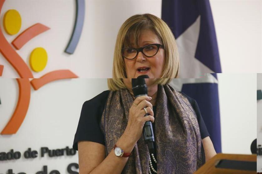 La secretaria del Departamento de Salud de Puerto Rico, Ana Ríus, informó hoy que los últimos datos disponibles sobre el zika en la isla, correspondientes a la semana 49 desde que comenzó la epidemia, presentan un aumento de 222 casos confirmados para un total de 35.870 y siete casos de bebes con zika congénito. EFE/ARCHIVO