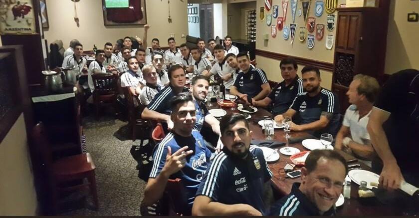 El seleccionado argentino en un receso...