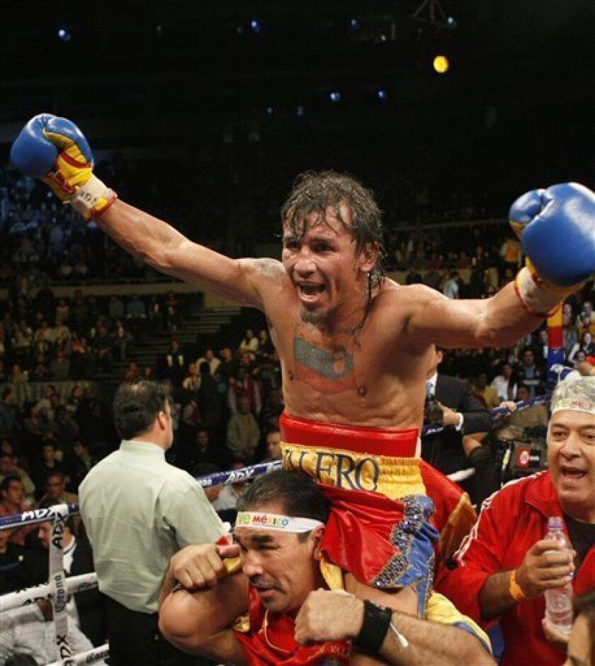 Alexis Texas Boxing boxer valero kills himself in jail, police say - the san