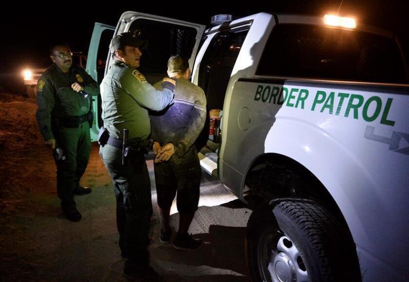 Las detenciones de inmigrantes indocumentados en las fronteras del país cayeron un 26,28 % en 2017 respecto al año anterior, el menor dato en 45 años, informó hoy la Oficina de Aduanas y Protección Fronteriza (CBP, en inglés). EFE/ARCHIVO