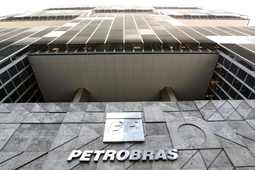 Fotografía de archivo de la fachada de Petrobras en Brasil. EFE/Archivo