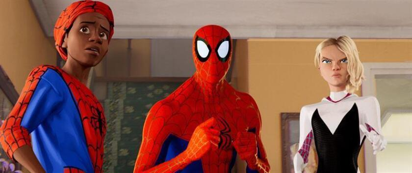 """Phil Lord y Chris Miller, cerebros de un Spider-Man afrolatino y """"millennial"""""""