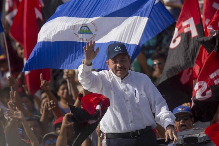 El representante José Enrique Meléndez, solicitó hoy a sus compañeros del Senado, que durante la próxima sesión ordinaria, que comienza en agosto, incluyan a Nicaragua en la prohibición para hacer negocios con gobierno de Puerto Rico. El presidente de Nicaragua, Daniel Ortega (c). EFE/ARCHIVO