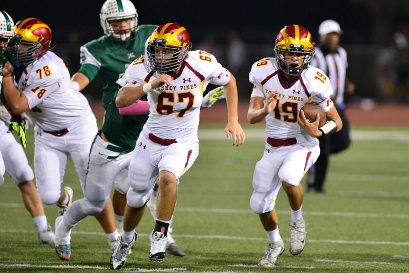 Jason Heine runs for touchdown led by Brian Minarik.